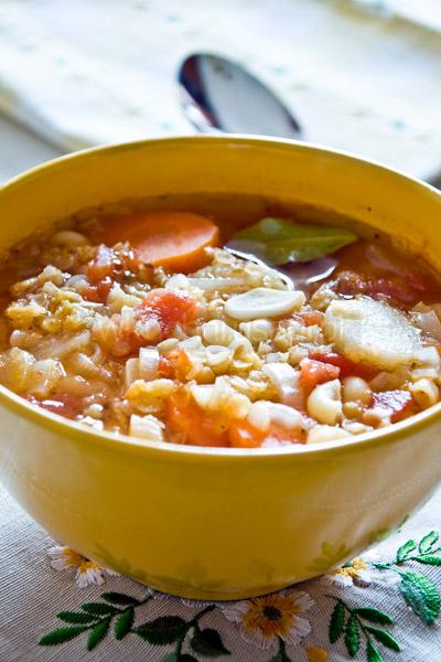 Minestrone, zupa warzywna z soczewicą